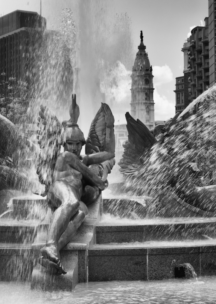 140522_Swan Fountain 1 by 2013 Karl Graf.