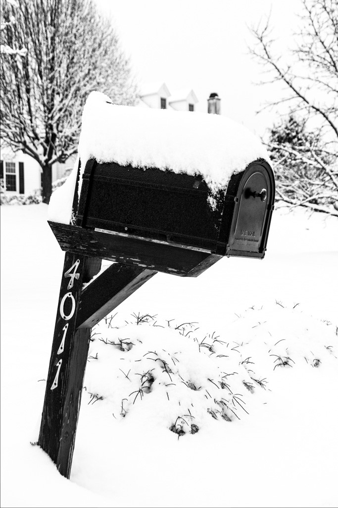 150127_Mailbox_1st snow by .