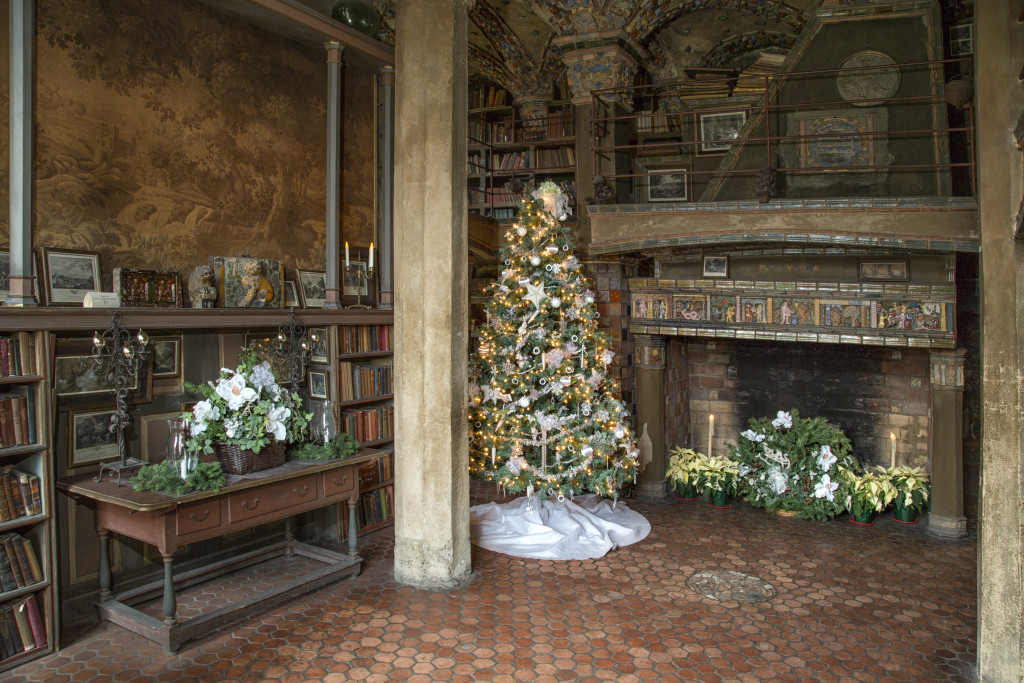 151220_FonthillChristmas_Library by Karl Graf.
