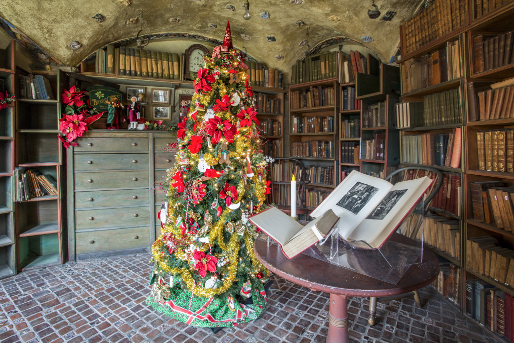 151228_FonthillChristmas_Map Room by Karl Graf.