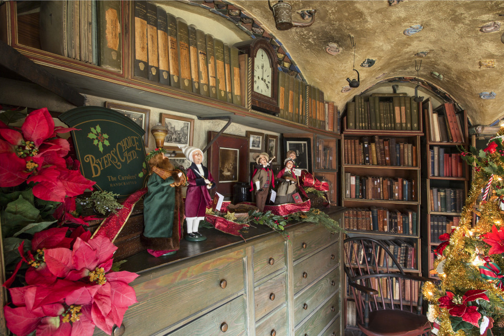 151228_FonthillChristmas_Map Room2 by Karl Graf.